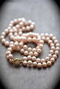 подарок жене на 30 лет свадьбы - жемчужное ожерелье