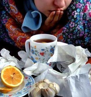 когда болеет жена: горячий лечебный чай с лимоном